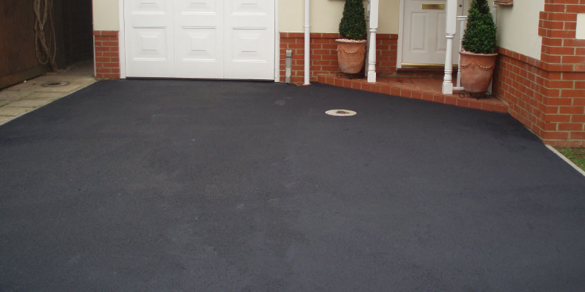 Tarmac-Restoration-after-cleaning