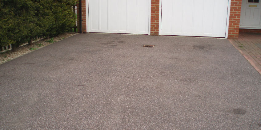 Tarmac-Restoration-before-cleaning-1