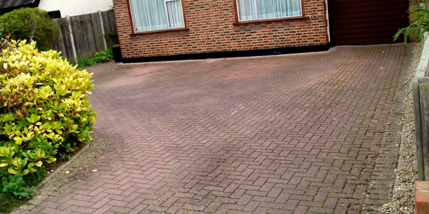 driveway-before-cleaning-1